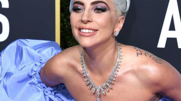 El collar de 5 millones de Lady Gaga y otras joyas que han hecho historia en los Globos de Oro