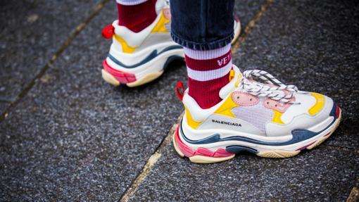 bd26a23a42c Diez zapatillas de moda que se van a llevar este 2019