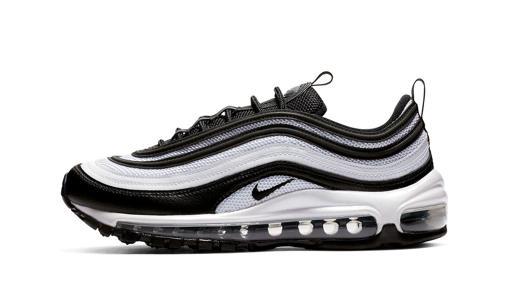 374056e46 Diez zapatillas de moda que se van a llevar este 2019