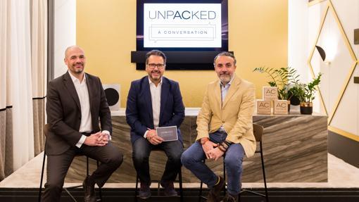 Javier Mateos, Phil González y Carlos Fernández durante el primer 'Unpacked: A Conversation' de AC Hoteles by Marriot