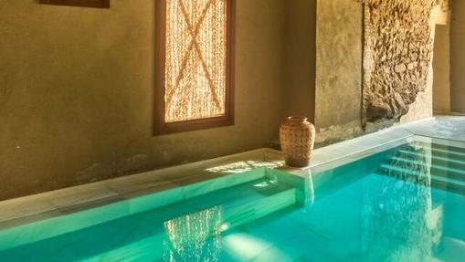 Una de las piscinas de Aire Ancient Baths en Mas Salagros