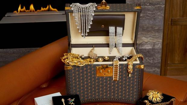 Una habitación de hotel con servicio de préstamo de joyas lujo