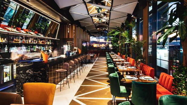 Ginkgo Restaurante & Sky Bar en el hotel VP Plaza España Design