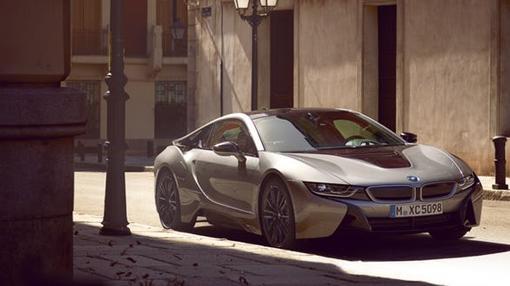 BMW l8