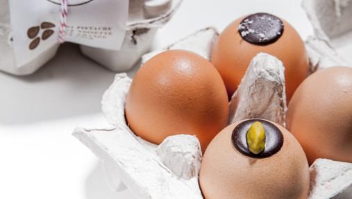 Los cuatro huevos pralinés de Le Chocolat Alain Ducasse (32 euros) ©Pierre Monetta