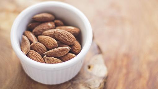 La almendra es rica en proteínas vegetales y ácido fólico, entre otros nutrientes
