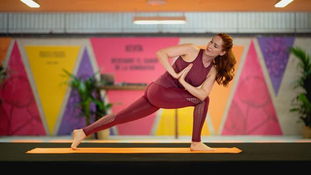 "Carla Sánchez: ""El yoga da fortaleza física pero sobre todo mental para gestionar el estrés"""