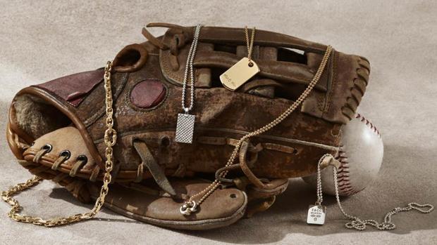 Tiffany lanza su primera colección de joyas para hombre