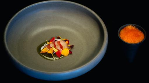 Gamba roja con salsa de ceviche del restaurante Loco, en Lisboa