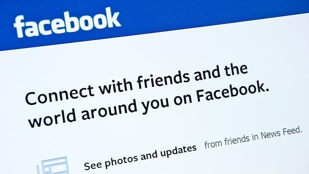 Condenado a 18 meses de cárcel por sugerir en Facebook meter a refugiados en campos nazis
