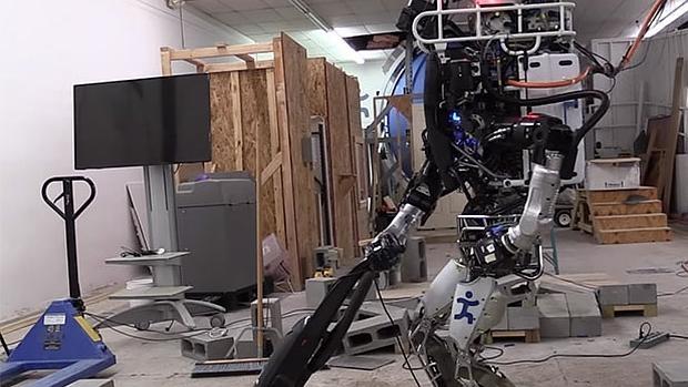 Atlas, el robot de Google, aprende a hacer tareas domésticas