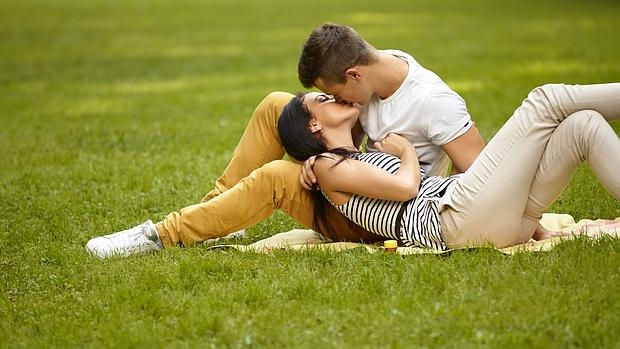 Del «estoy enamorado de usted» al «sexo fácil», así ha evolucionado la seducción a lo largo del tiempo