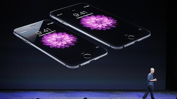Tim Cook: «El Gobierno de EE.UU. está pidiendo a Apple hackear nuestros propios usuarios»