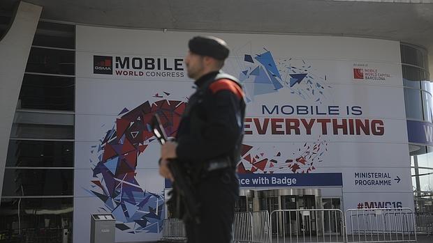 MWC 16: nuevos «smartphones», realidad virtual y otras novedades