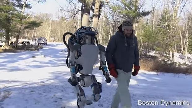 Altas, el robot humanoide de Google, da nuevos pasos hacia el Terminator del futuro