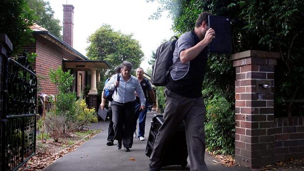 Agentes de la Oficina fiscal australiana registraron la casa de Wright el pasado diciembre