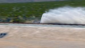"""Fotografía distribuida por Hyperloop One hoy, 12 de mayo de 2016, que muestra la primera prueba del sistema de transporte supersónico conocido como """"Hyperloop One"""" en Las Vegas, EE.UU."""