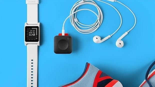 Pebble introduce pulsómetro en sus nuevos relojes y lanza un nuevo reproductor musical de fitness