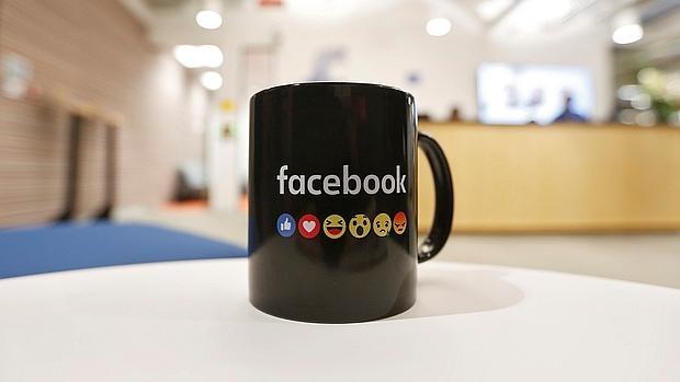 Facebook, YouTube y Twitter firman un código de conducta con la UE para frenar el «lenguaje del odio» en internet