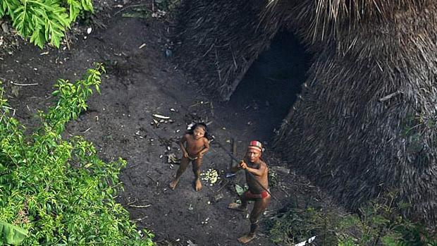 Así viven las 100 tribus más aisladas del mundo