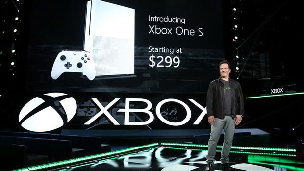 Phil Spencer, de Xbox, durante la presentación de Microsoft