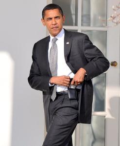 Imagen de 2009 en la que Barack Obama guarda su Blackberry