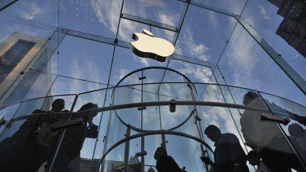 Las tecnológicas compiten en beneficio con menos de la mitad de empleo