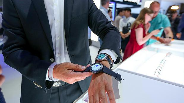 Dos modelos del Samsung Gear 3, presentados el pasado verano pero que aún no se han puesto a la venta