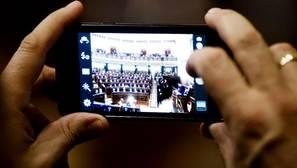 Los usuarios temen que los «hackers» ataquen sus «smartphones», redes sociales y datos bancarios