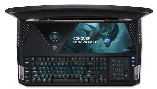 Acer presenta el primer portátil con pantalla curva