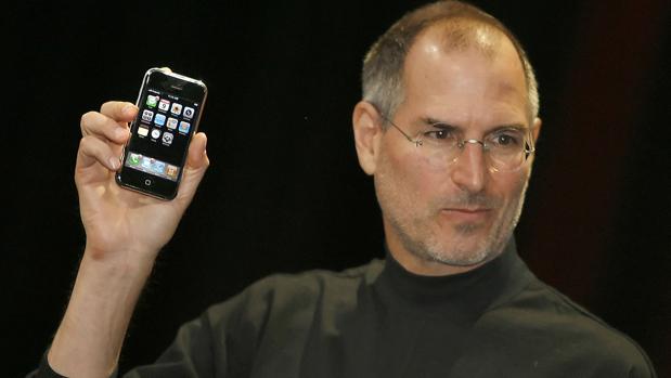 Apple, el «gigante» que se tambalea y echa de menos el talento de Jobs