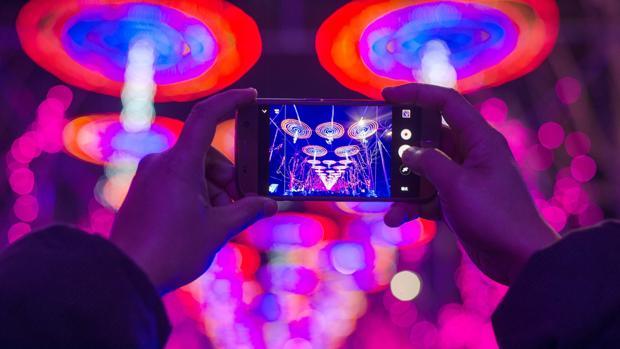 Diez predicciones que marcarán 2017 en los «smartphones», la tecnología y las «telecos»