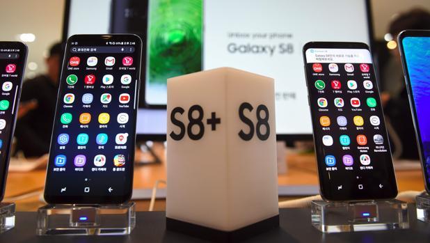 Primer tropiezo de Samsung con el Galaxy S8: Bixby llegará sin el control de voz
