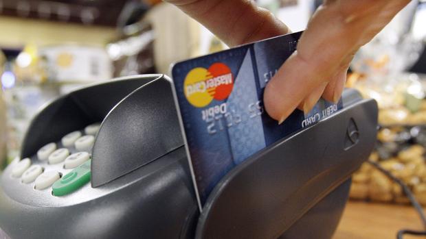 Así son las tarjetas nuevas de Mastercard de identificación con huella dactilar