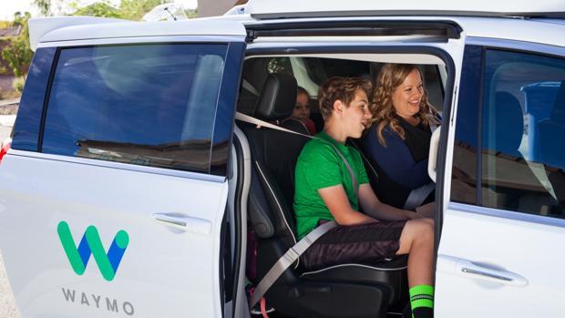Google arranca sus primeros taxis sin conductor