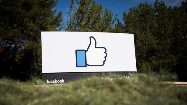 Facebook: entre 2.000 millones de usuarios y Snapchat