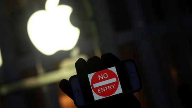 900.000 dólares: la cifra «secreta» que pagó el FBI por «hackear» el iPhone del terrorista de San Bernardino