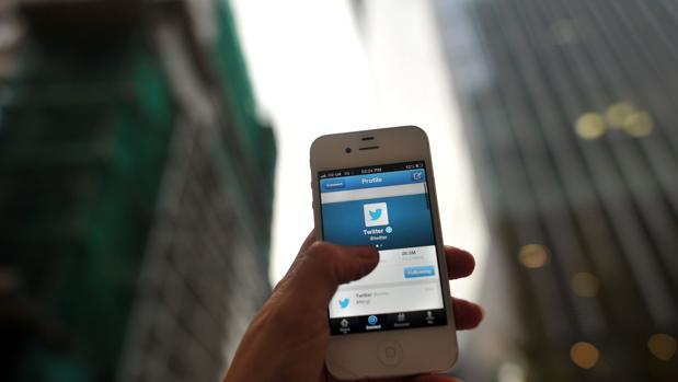 Twitter, la segunda pantalla: el 90% de sus usuarios españoles lo consulta mientras ve televisión
