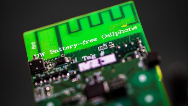 Este móvil es el primero que se carga con energía medioambiental y no con una batería