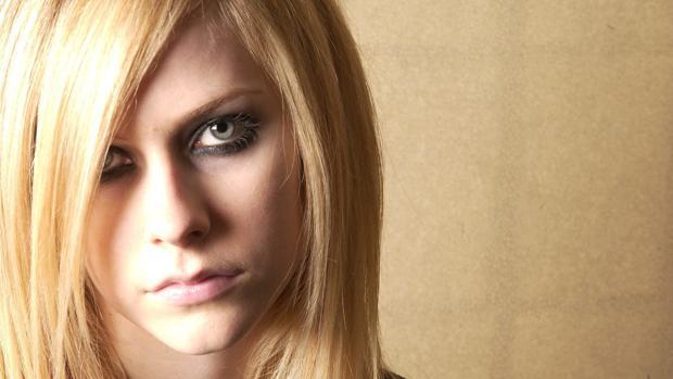Hasta Avril Lavigne te puede colar virus
