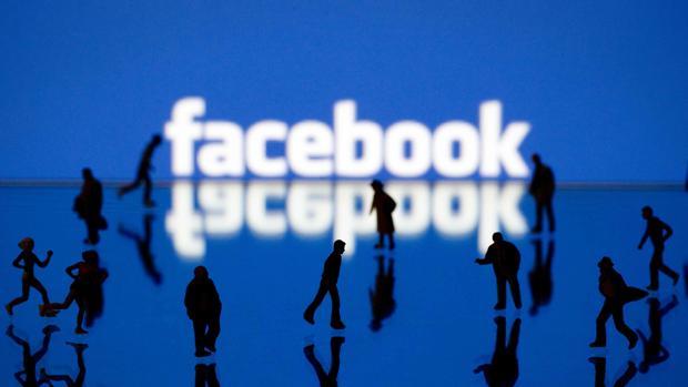 Facebook, red social, con más de 2.000 millones de euros
