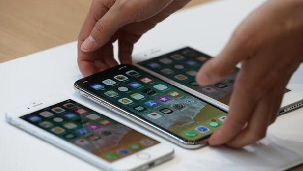 Apple lanza el 3 de noviembre su iPhone X con el temor a posibles retrasos