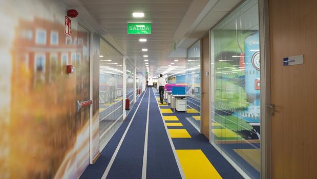 Interior del nuevo centro tecnológico de Ryanair en Madrid