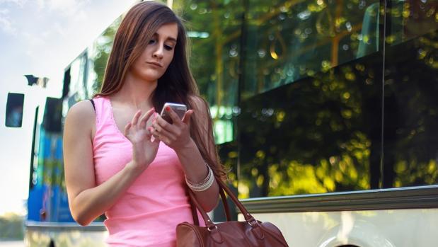 Dos de cada cinco españoles cambian de móvil más de una vez al año
