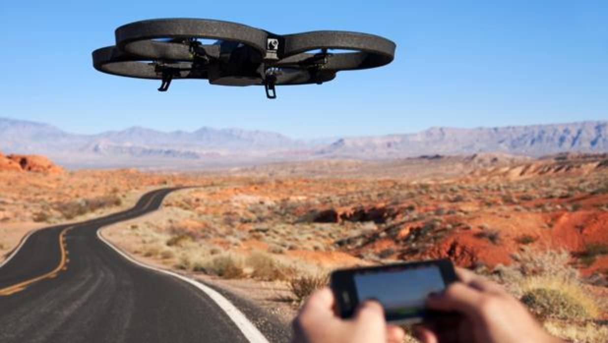 Nueva legislación sobre drones: podrán volar de noche y cerca de edificios