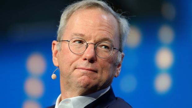 Eric Schmidt, el hombre que le quitó el trabajo a Steve Jobs, deja su puesto en Google