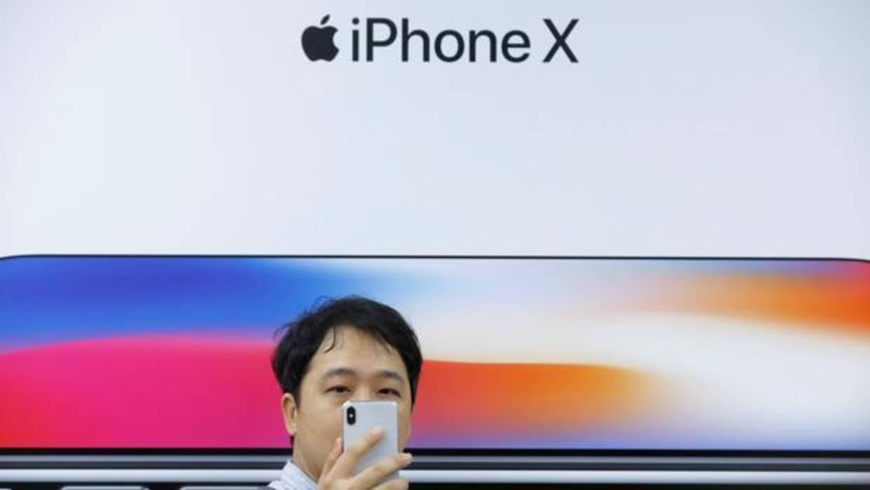 iPhone X: el buque insignia de Apple se desinfla