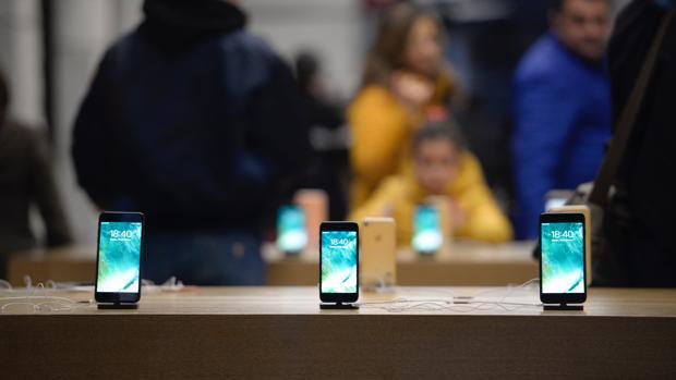 Crecen las demandas para Apple tras limitar la velocidad de los iPhone antiguos