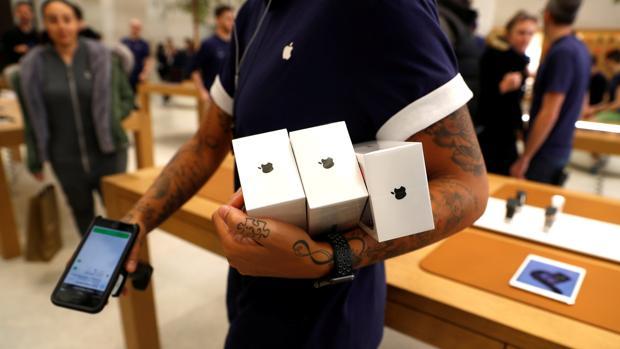 Cincuenta personas fueron evacuadas de la Apple Store de Zurich