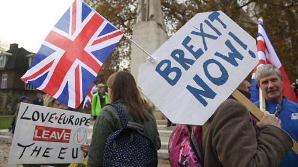 Facebook investiga si Rusia interfirió en el Brexit